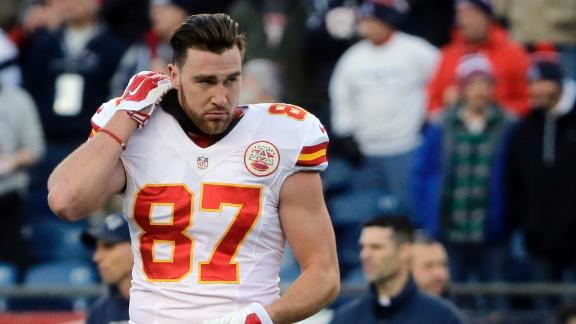 Should Kelce have waited to sign extension?