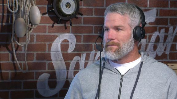 Video - Favre continues to repair relationship with Green Bay