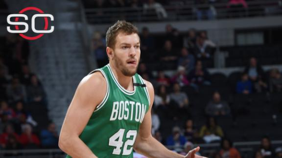 Celtics waive David Lee
