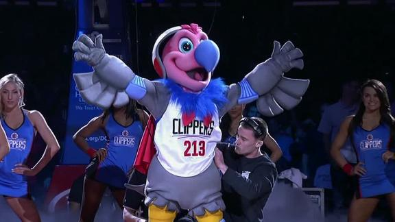 http://a.espncdn.com/media/motion/2016/0301/dm_160301_NBA_One-Play_Clippers_unveil_new_mascot/dm_160301_NBA_One-Play_Clippers_unveil_new_mascot.jpg