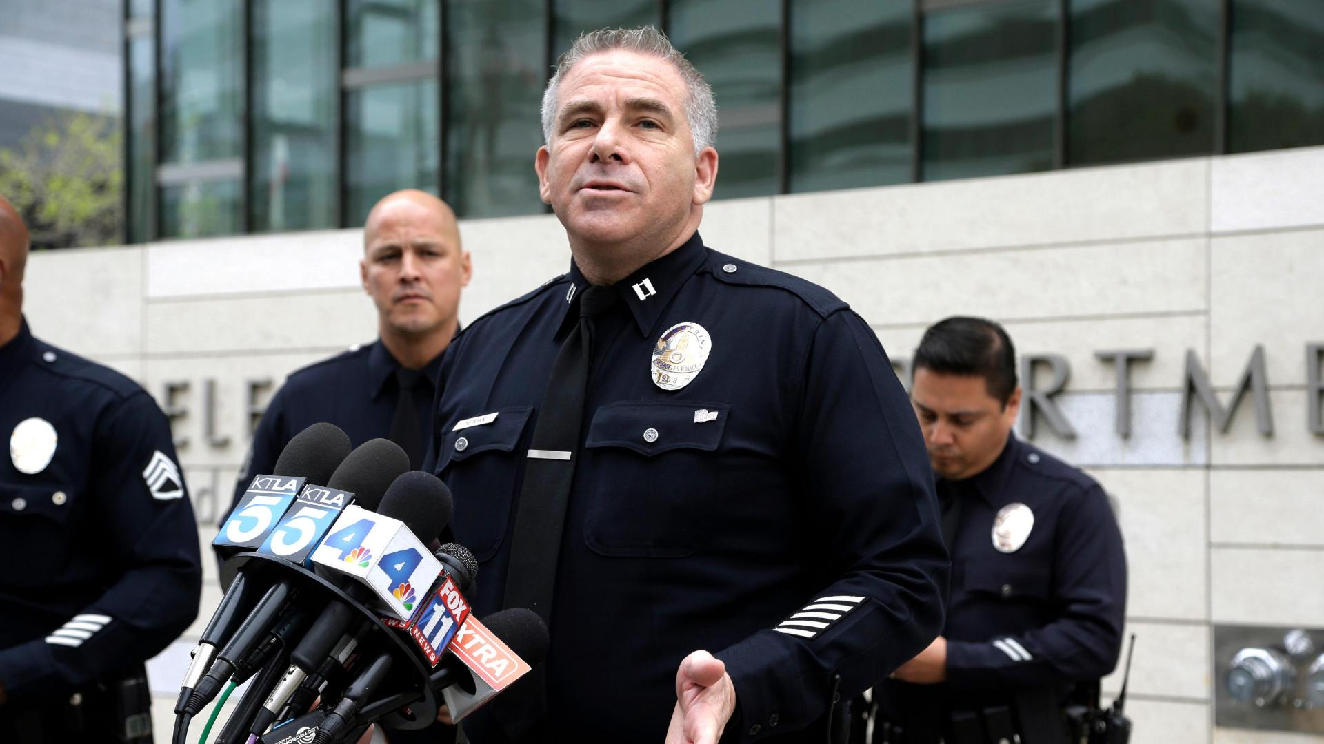http://a.espncdn.com/media/motion/2016/0304/dm_160304_news_lapd_simpson_sot1100/dm_160304_news_lapd_simpson_sot1100.jpg