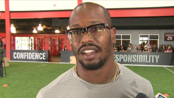 Von Miller wants Manziel on Broncos