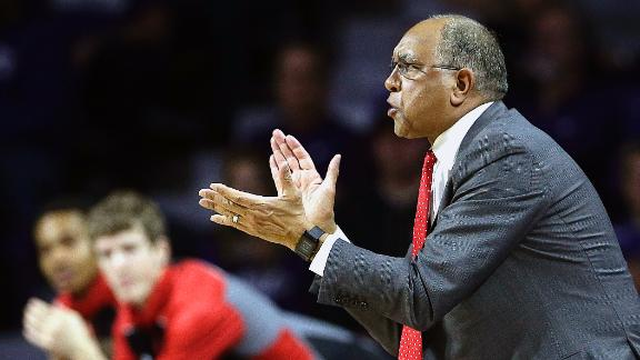 Memphis hires Tubby Smith as Tigers' new basketball coach