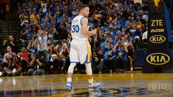 Curry reaches 400 3-pointers in style
