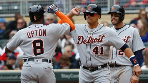 Upton leads Tigers past Twins
