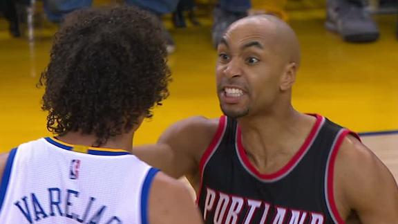 Henderson and Varejao ejected after tempers flare