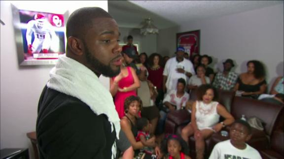 Video - Undrafted LB Eric Striker makes emotional speech to family