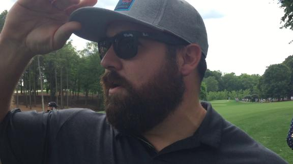 Kalil critiques Olsen's golf swing