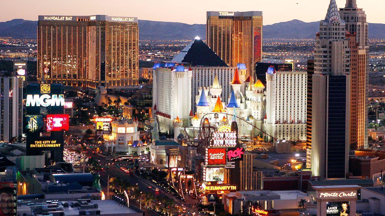 Video - Raiders' flirtation with Vegas now full-blown, neon-hued romance