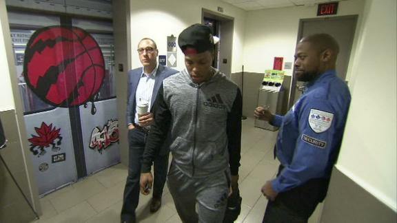 Lowry ignores security guard's fist bump attempt