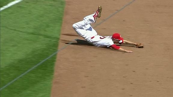 Piscotty motors to make this impressive catch