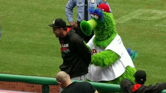 Phillie Phanatic puts Jose Fernandez in handcuffs