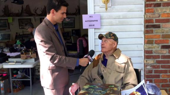 Video - Fans flock to Bud Grant's garage sale