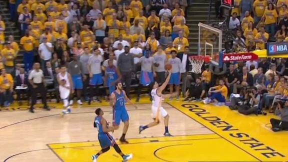 Curry finds Thompson in stride for layup
