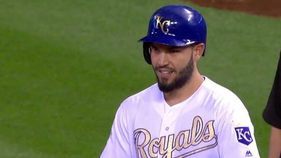 Royals go-ahead on Hosmer's RBI single