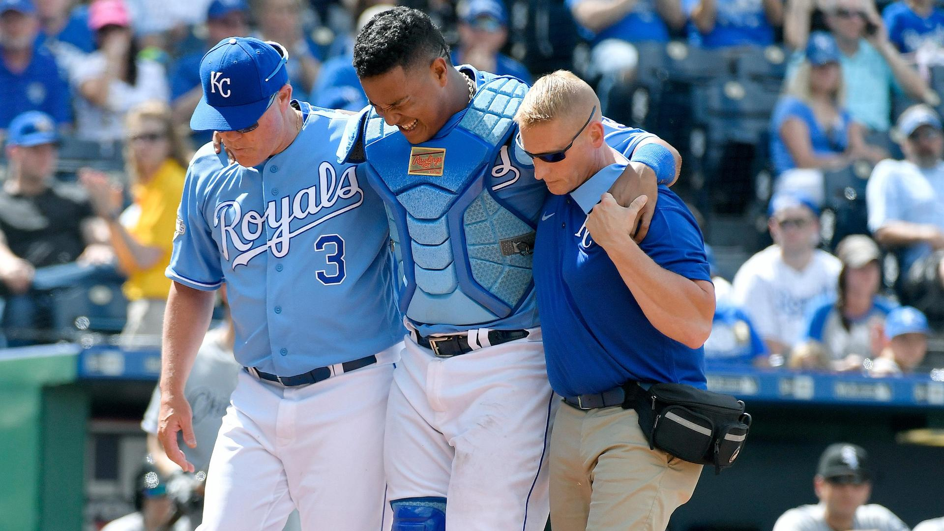 Perez leaves game with quad contusion after collision