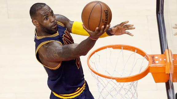 LeBron, Cavs finish off Raptors