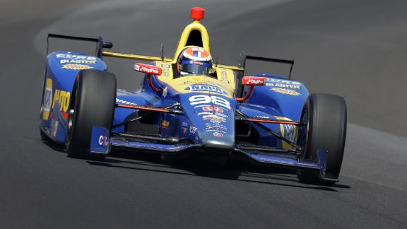 Rossi has enough fuel to win Indy 500