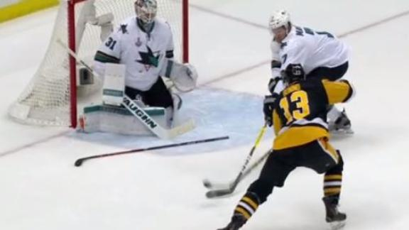 Bonino the hero with late Game 1 winner