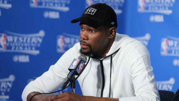 Durant blows off free agency talk