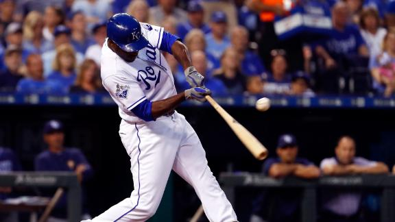 Cain's two-run shot puts the Royals on the board
