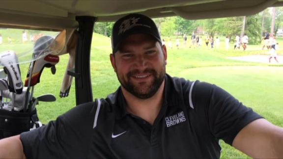 Video - Browns OT Joe Thomas has some unique golf attire