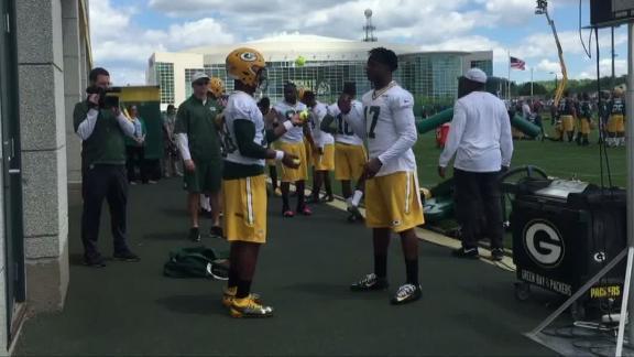 Video - Packers practice juggling to improve receiving skills
