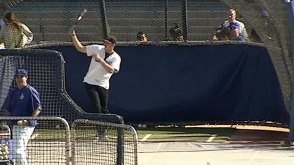 Video - Jared Goff takes BP at Dodgers game