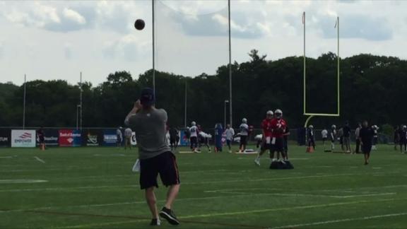 Video - Patriots QBs at practice