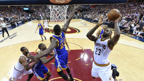 LeBron delivers clutch performance for shorthanded Cavs
