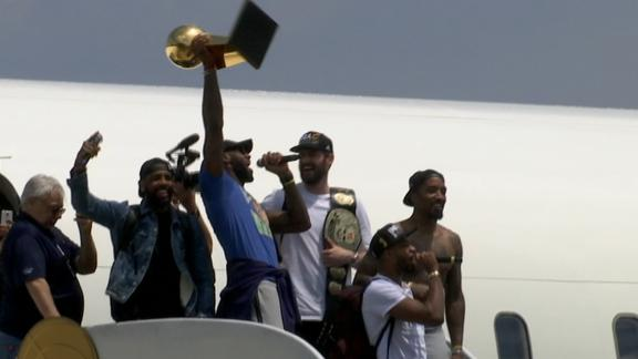 http://a.espncdn.com/media/motion/2016/0620/dm_160620_LeBron_arrives_off_plane/dm_160620_LeBron_arrives_off_plane.jpg