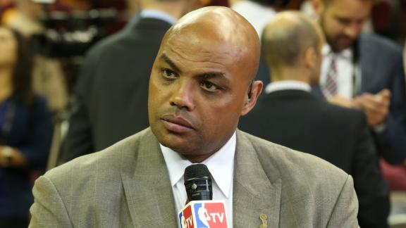 Video - Barkley compares 2016 Warriors to 2007 Patriots