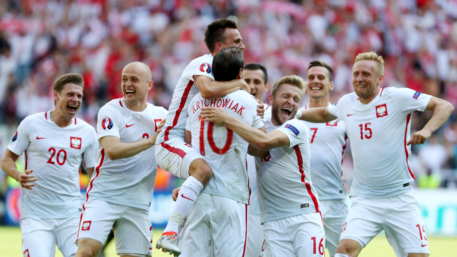 Poland clinches quarterfinal spot