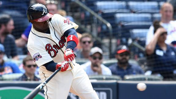 Garcia's three-run shot extends Braves' lead