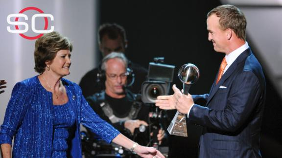 Video - Peyton Manning: Pat Summitt is an 'icon' and a 'legend'