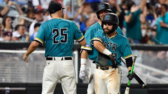 Coastal Carolina win gives CWS familiar feel