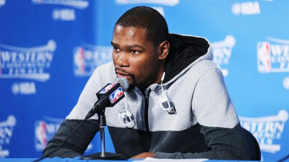 What does it mean that Durant will meet with multiple teams?