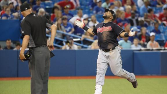 Indians survive marathon to win 14th straight