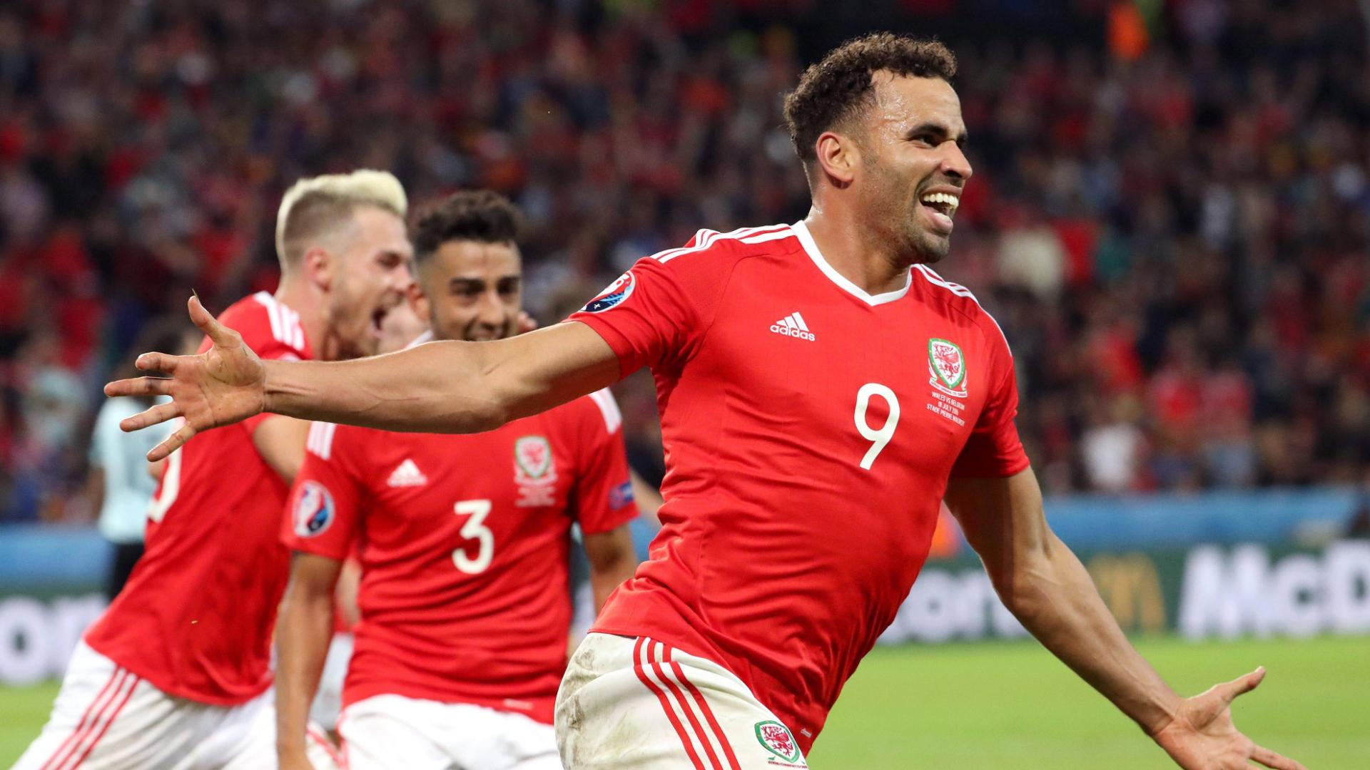Robson-Kanu's classy finish gives Wales the lead