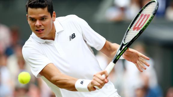Raonic takes down Federer in semis