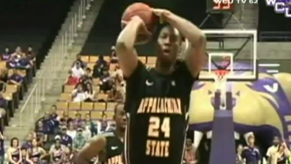 Viral Vault: Worst free throw ever?