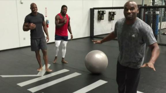 Video - Peterson training with young bull Gordon