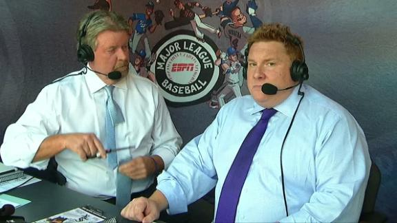 Rick Sutcliffe pulls a Chris Sale on his tie