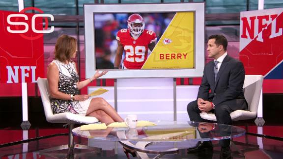 Source: Berry won't report with Chiefs Friday