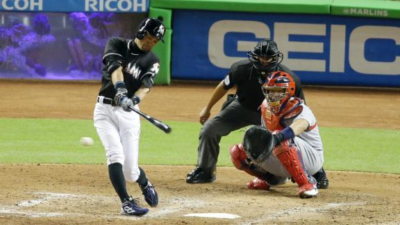 Ichiro doubles for hit 2,998