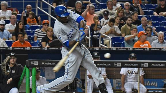 Cain drives in lone run to propel Royals