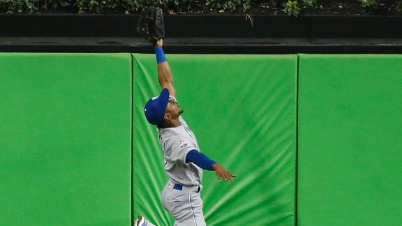 Dyson offers up his candidacy for catch of the year