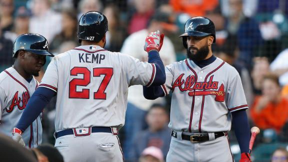 Kemp's three-run shot goes 427 feet