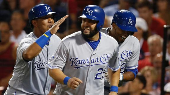 Royals roll over Red Sox at Fenway