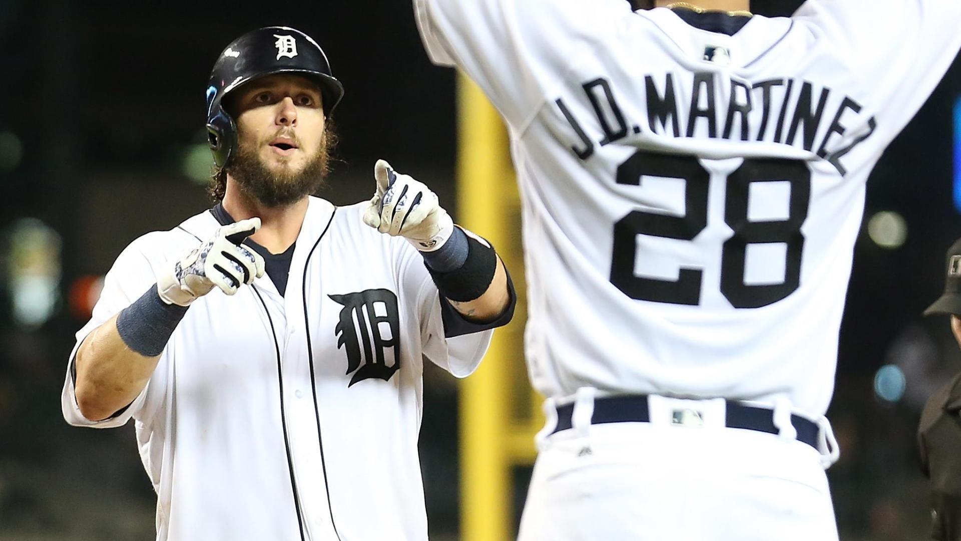 Saltalamacchia's two-run blast wins game for Tigers